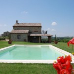 House-and-Pool_3_Casa-Alessandra_Italy